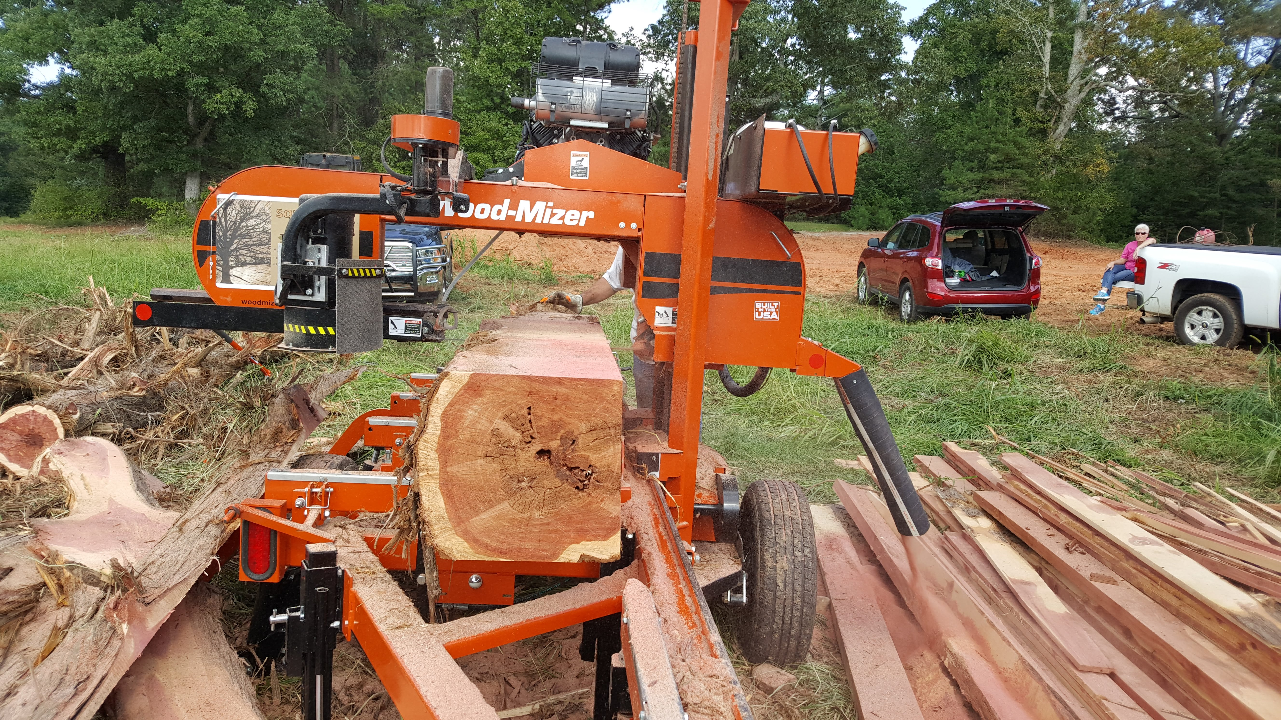 Cedar Cant and WoodMizer Sawmill – Square Tree Milling